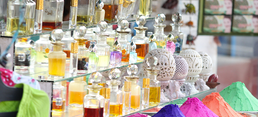 Venice perfumes and silks